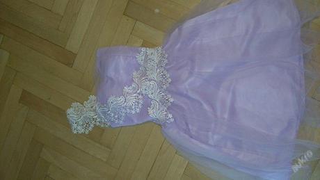 Spolčenské šaty, 36