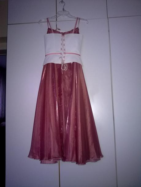 Spoločenské šaty., 34