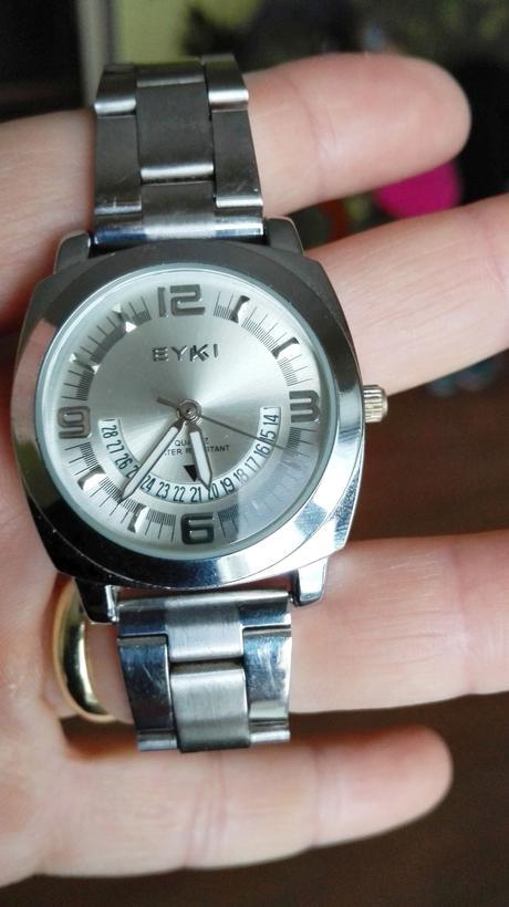 Zaujímavé hodinky,
