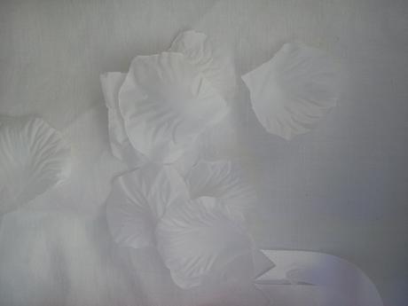 Plátky růží bílé,