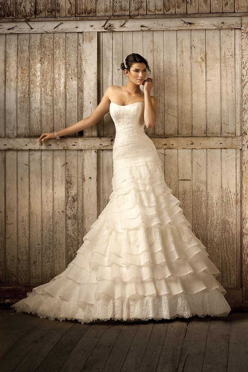 35d657ba38f2 Vintage svadobné šaty s čipkou