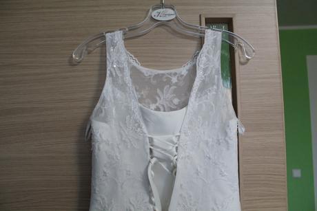 JEDNODUCHÉ SMETANOVÉ TYLOVÉ svatební šaty, 38