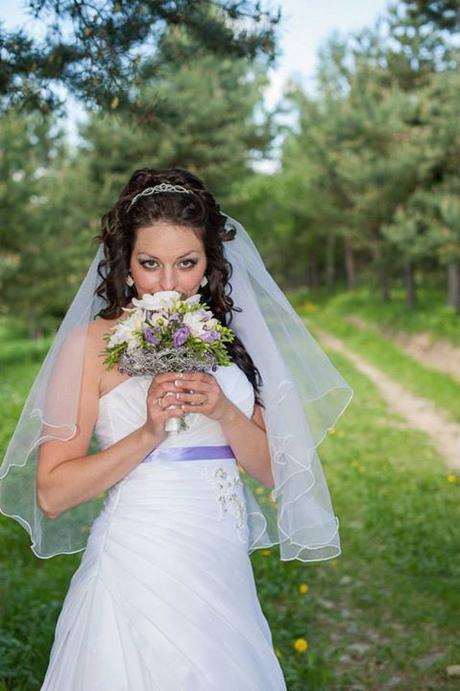 svadobne saty s fialovou stuhou, 38