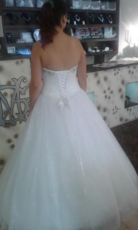 Nadherne svadobne saty, 42