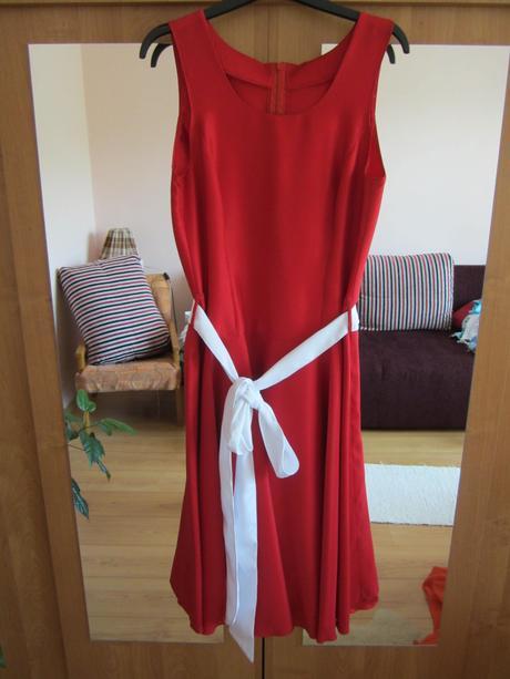 Červené spoločenské šaty - krátke, 40