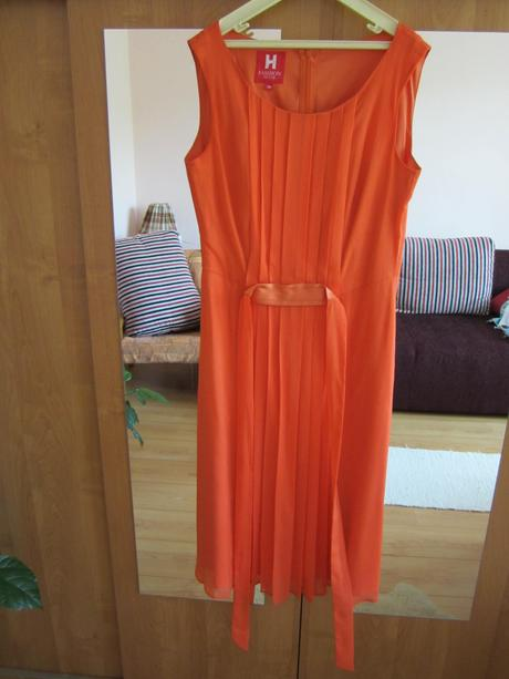 Oranžové spoločenské šaty - krátke, 38