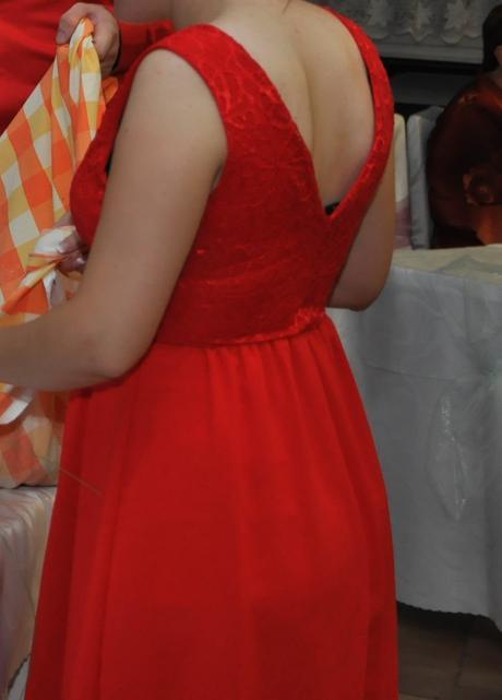 Krátke sýto červené šaty, 38