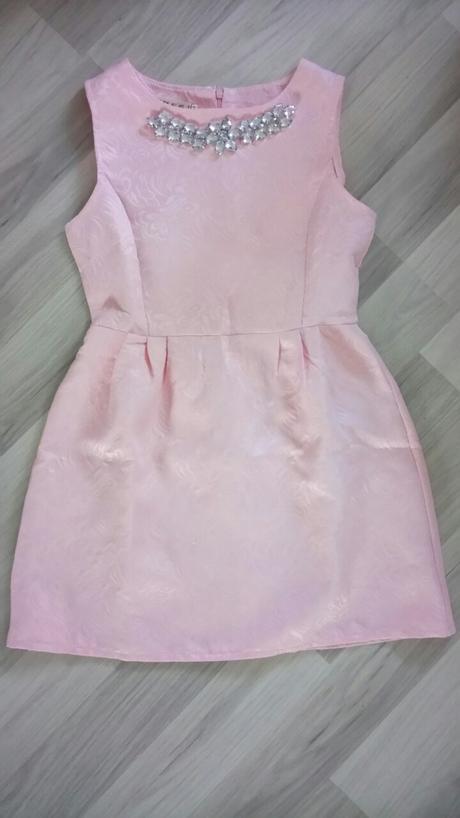 Nepoužité krátke ružové šaty veľkosti S/M, M