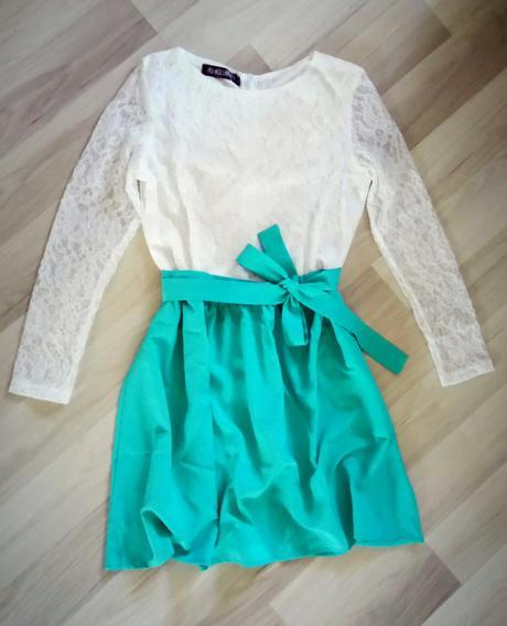Nepoužité zeleno biele šaty s čipkou - S/M, M