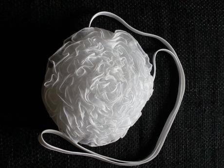 Kabelka bílá, květina ,