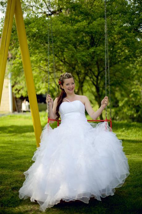 Svatební šaty s volánkovou sukní(těhotenské) 42-44, 42
