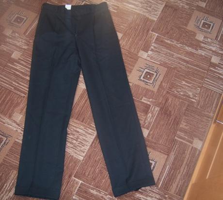 Černé oblekové kalhoty., 40