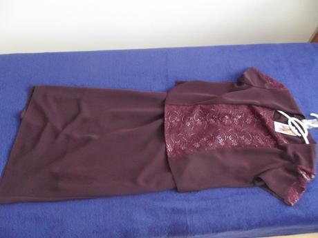 Bordovy kostym- idealny pre svadobnu mamu, 42