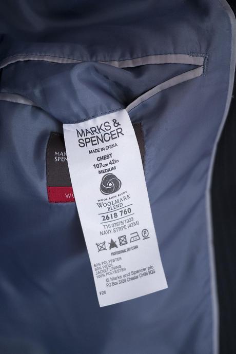 Oblek M&S, 52