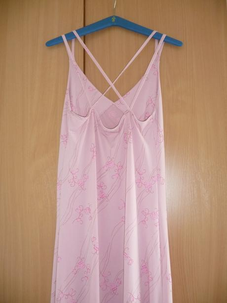 Ružové spoločenské šaty, 38