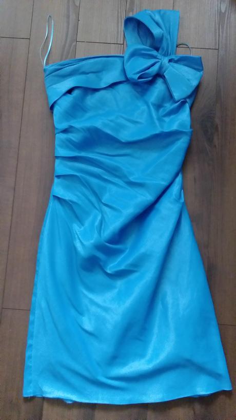 Tyrkysové spoločenské šaty, 38