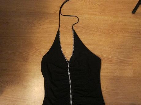Čierne krátke elastické šaty, 38