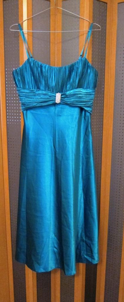 Krátke tyrkysové šaty, 38