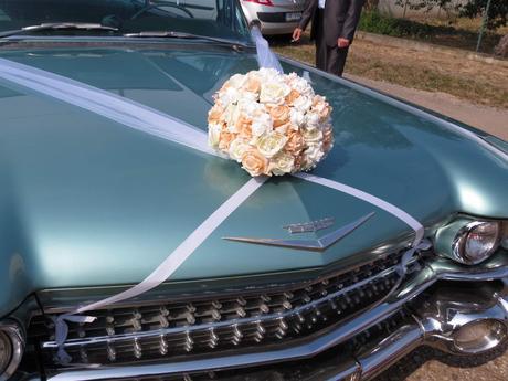 kytice na auto nevěsty + šerpa,