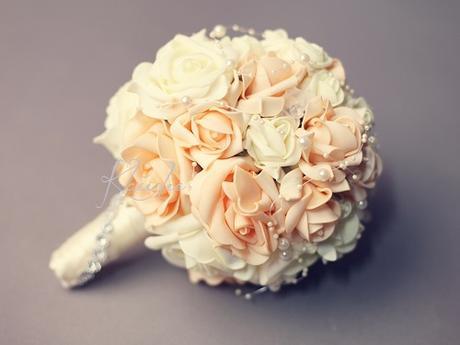 kytice z pěnových růží - malá,