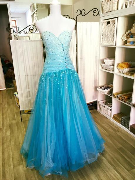 maturitní šaty, 38