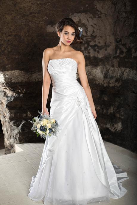 výprodej půjčovaných svatebních šatů, 38