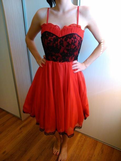 Červené šaty značky ZAIRA, 36