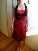 Krátke červené šaty, 38