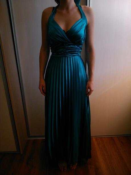 Tyrkysové spoločenské šaty, 36