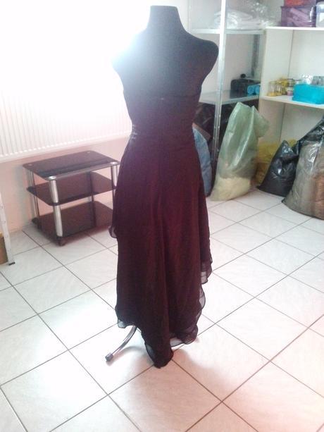 Spolčenské šaty , 36