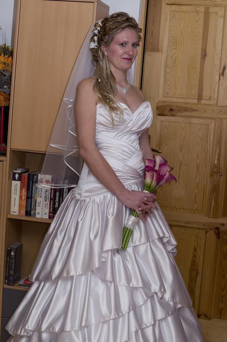 Nádherné jednoduché svadobné šaty veľkosti 36-40, 38
