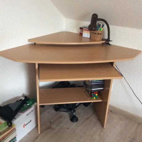Psací/pc rohovy stůl včetně kancelářské zidle,