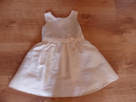 Slávnostné šaty , 92
