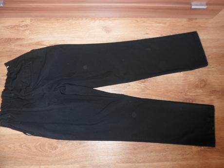Spoločenské nohavice, 164