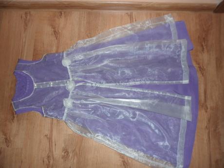 Spoločenské šaty, 134