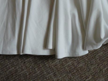 popůlnoční šaty s visačkou, 40