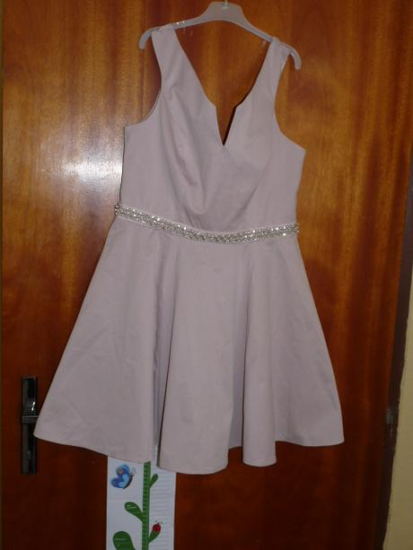 pudrové šaty s visačkou zn. Lipsy, 34