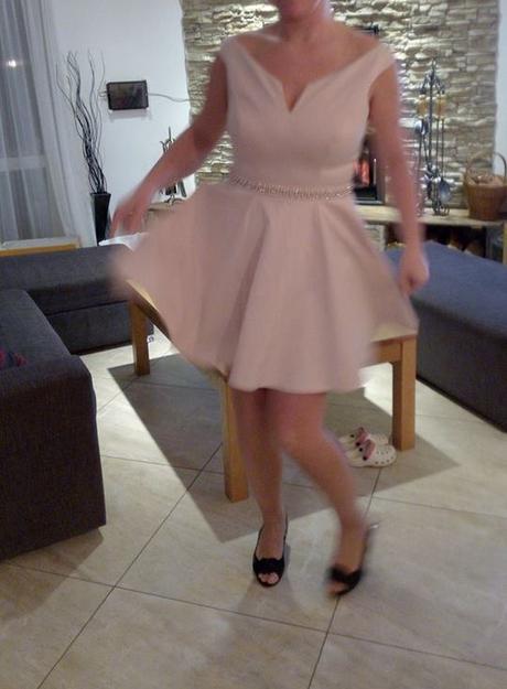 pudrové šaty s visačkou zn. Lipsy, 42
