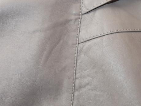 slušivá koženková sukně, 42