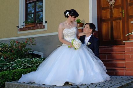 Princeznovské tylové svatební šaty, 38