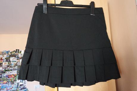 Černá společenská sukně, 40