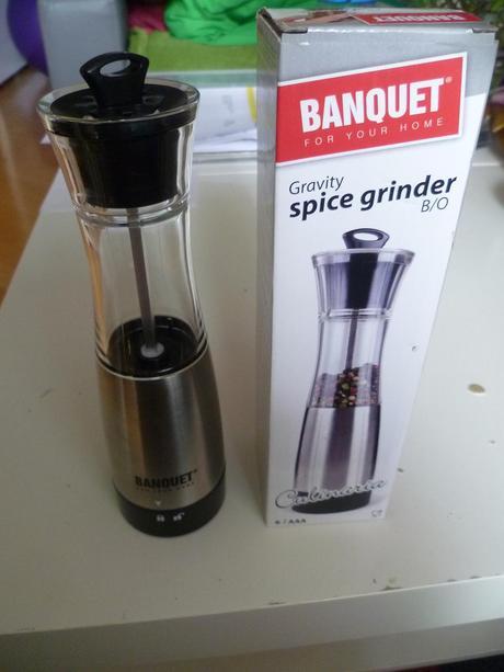 Mlýnek na pepř sůl na baterky Banquet,