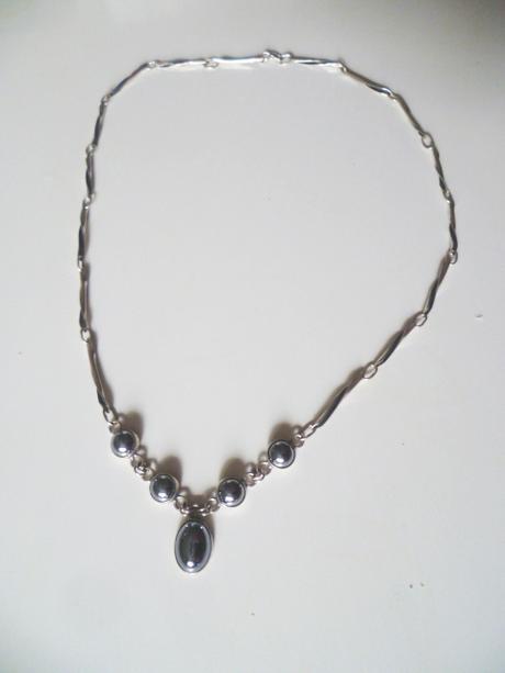 Náhrdelník šedý hematit 5 kamenů stříbro Ag 925,