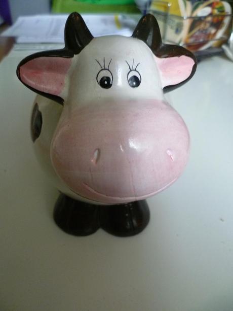 Pokladnička kráva krávička bílá růžová černá,