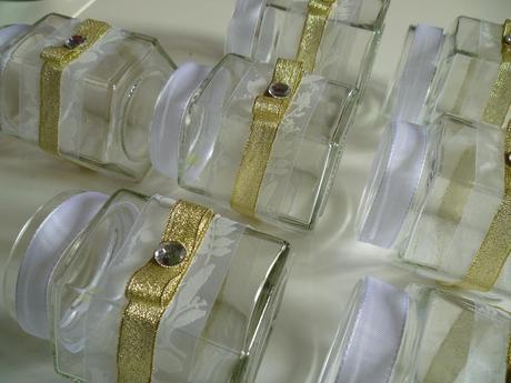 Skleněné svícny na svíčky zlatá stuha cena za kus,