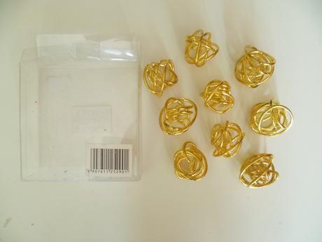 Zlaté kuličky z pevného drátu 9ks,