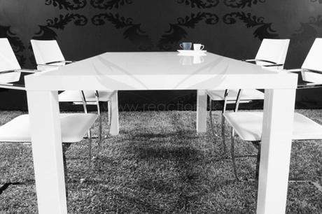 Jídelní stůl Colonada 140,