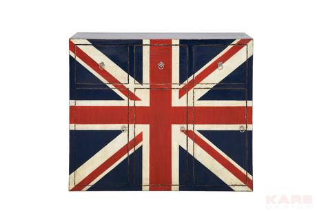 Komoda England,