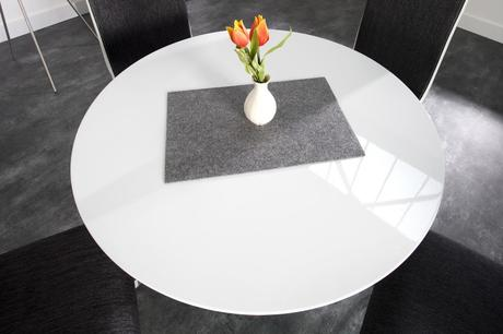 Stůl Quantum,