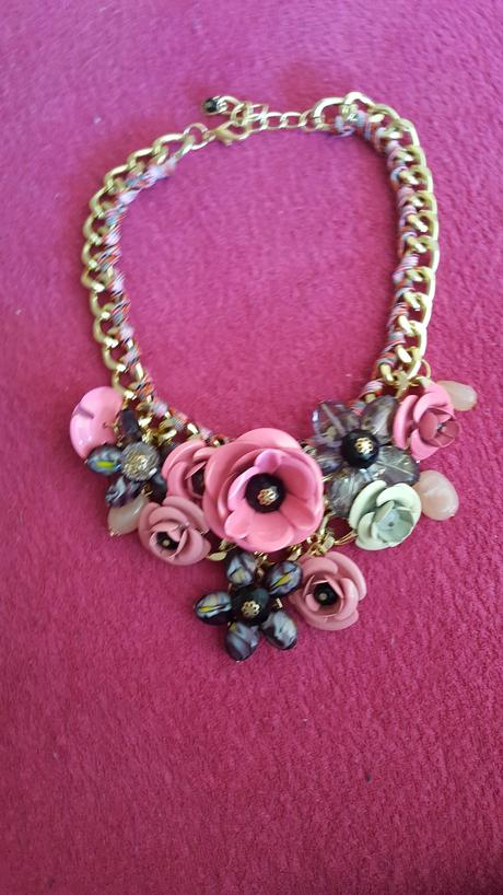 Kvetova sukna, M